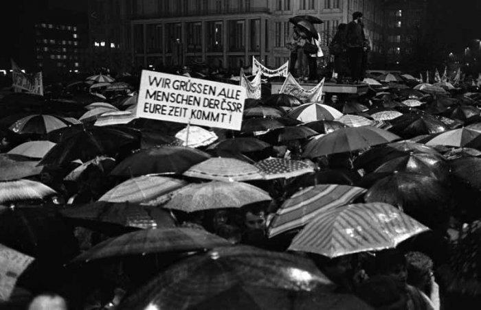 montagsdemo_leipzig_1989_04_0