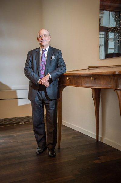 212 / Der weltbekannte Oekonom und Autor, Jeremy Rifkin, am 13.11.2013 in der Globalance Bank in Zuerich.